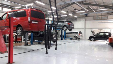 """ANPC: Practici incorecte şi facturi """"umflate"""" in service-urile auto"""