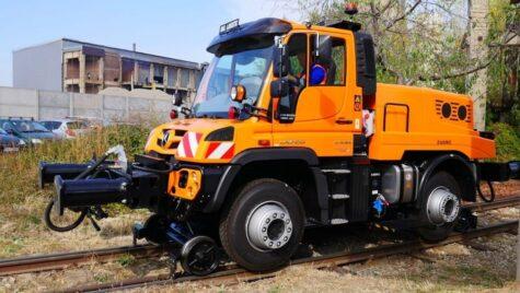 Unimog – transportatorul ce poate trece rapid de la șosea la cale ferată